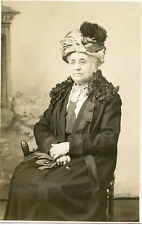 VINTAGE POSTCARD UNPOSTED 1907-1915 PERIOD BEAUTIFULLY DRESSED GRANDMOTHER