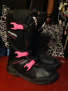 O'Neal MX Motocross ATV Boots Youth unisex Kids Size US 5 EU 37 Black Pink