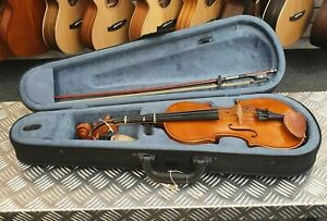 1/2 Size Stentor Student I - great quality beginners violin outfit w. case & bow