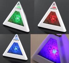 Mode Pyramid Thermometer Wecker LED Alarm Clock Uhr Verfärbung Musikalarm Clock