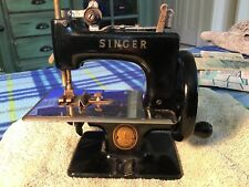 ANTIQUE VINTAGE MINI SINGER SEWING MACHINE HAND CRANK SO COOL TOY CHILD SIZE