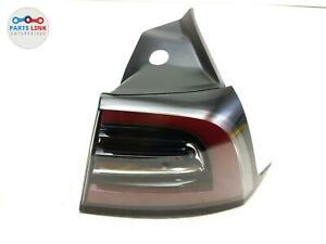 17-20 TESLA MODEL 3 US RIGHT PASSENGER QUARTER TAILLIGHT TURN BRAKE SIGNAL LAMP