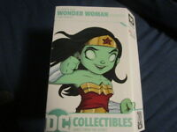 dc artists alley wonder woman glow in the dark box lunch exclusive