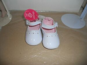 Okie Dokie Baby Shoes White Mary Jane Patent Leather Heart Buckles Size 3