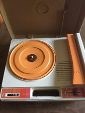 VINTAGE 1978 FISHER-PRICE CHILDREN'S RECORD PLAYER IN WORKING CONDITION