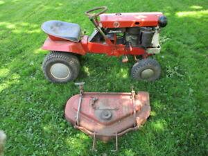 Vintage Simplicity Broadmoor Lawn Tractor