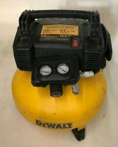 DEWALT DWFP55126 PANCAKE STYLE 6 GALLON 165 PSI AIR COMPRESSOR, V.G