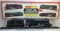 Hornby R859 BR Class 5MT Stanier 4-6-0 Locomotive Black Five Silver Seal OO
