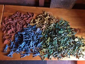 Job Lot - 207 Vintage Plastic Toy Soldiers