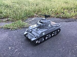 Brickmania Lego M4A3 Sherman Tank