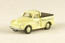 Pick-ups miniatures gris en plastique