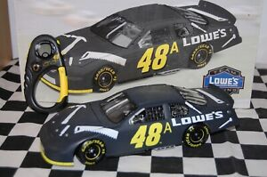 Jimmie Johnson #48 LOWE'S Test Car Chevrolet 03 1/24 NASCAR Die-cast*Incomplete