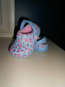 Baby Girl's CROCS Clogs Blue Pinks Roses Soft Lining Size 6