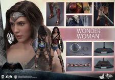 Wonder Woman Superman PVC Action Figures