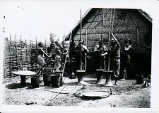 INDOCHINE c. 1950 - Pilonnage du Riz Femmes Moï Nord Viet-Nam - P 2457