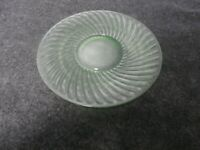 Vintage Green Vaseline Uranium Depression Optic Glass Plate Swirl Rim