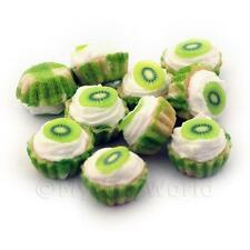 4x Miniature Kiwi And Cream Cupcakes With A Green Paper Cups