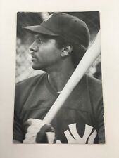 Jerry Mumphrey (1983) New York Yankees Vintage Baseball Postcard NYY