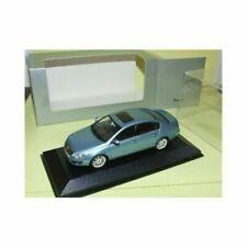 Voitures de tourisme miniatures bleus VW