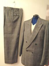 Men's Pierre Cardin suit, dark/light grey houndstooth 100% wool,d/b, size 42 l