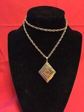 """Shape Locket 25"""" Chain Fashion Jewelry Gold Diamond"""