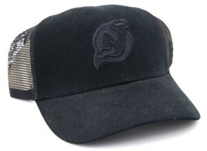 New Jersey Devils Blacked Out Fitted Trucker Hat Cap NHL Hockey, Size: 7 1/4