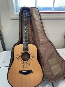 Taylor Swift Signature Baby Taylor Limited ed. Fearless Guitar
