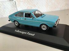 VW PASSAT 1974 MIAMI BLU 1:43 MAXI Champs NUOVO & OVP 940054200