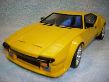 1/18 SCALE DIECAST 1974 DETOMASO PANTERA IN YELLOW BY 100% HOT WHEELS.