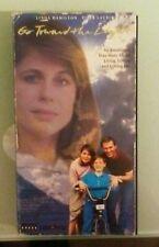linda hamilton  GO TOWARD THE LIGHT piper laurie / richard thomas VHS VIDEOTAPE
