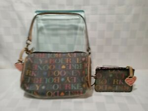 VINTAGE BARREL MINI BLACK JELLY DOONEY AND BOURKE WITH RAINBOW ZIPPER COIN PURSE