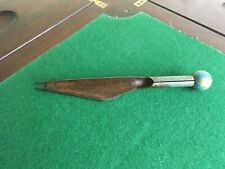 LOVELY UNUSUAL ANTIQUE PAINTED STEEL & WOOD GARDEN HAND WEEDER 10.2  inches