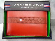 TOMMY HILFIGER MEN'S BANDED RUBBER LOGO LEATHER BIFOLD WALLET RED