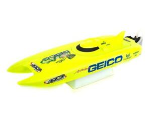 Pro Boat Miss Geico 17-inch RTR Brushed Catamaran Boat [PRB08019]