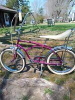 Vintage Boys Banana Bike ( Local Pickup In Narragansett, RI.) To ship +100.00$.