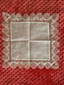 French Antique Handkerchief  - Bobbin lace edging on fine linon 22cm square