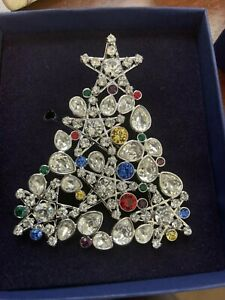 SWAROVSKI  2006 Rockefeller Center Christmas Tree Pin  STUNNING!!!