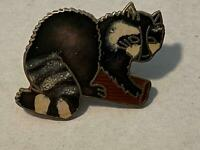 Vintage Raccoon Hat /Clothing Pin Hard To Find Pre-Owned Aluminum Base Epoxy Pin