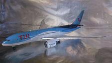 * Herpa Wings 557757 TUI Airlines Boeing 787-8 Dreamliner 1:200