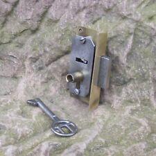 altes Schrankschloss Dornmaß 20mm Einlegeschloss Möbelschloss 72x34mm