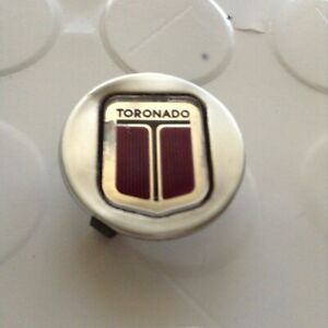 1990 oldsmobile toronado  wire wheel center cap  P/N   03526685