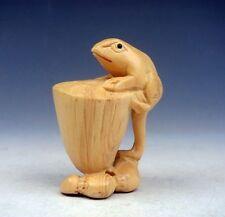 Boxwood Hand Carved Netsuke Sculpture Miniature Frog Climb Lotus Core #01041309