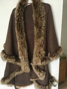 Ladies Brown Faux Fur Trimmed Poncho Style Wrap one size nice for Autumn cosy