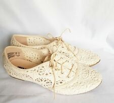 Lower Eastside New Womens Ivory Size -7 US .Flat Laceup Casual shoe