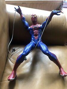 """HASBRO 2012 Spiderman Motorised Marvel Web Shooter Web Slinger 14"""" figure"""