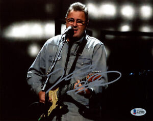 VINCE GILL SIGNED AUTOGRAPHED 8x10 PHOTO COUNTRY MUSIC SUPERSTAR BECKETT BAS