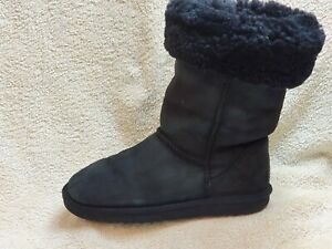 UGG Australia Ladies Sheepskin Boots Black UK 4 EUR 37 US 6