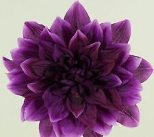 Coussins d'alliances et paniers violet pour le mariage