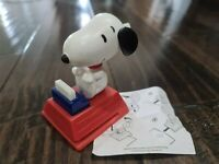 Mcdonalds Toy Peanuts Snoopy's World Figure 2016 Typewriter Embosser Happy Meal