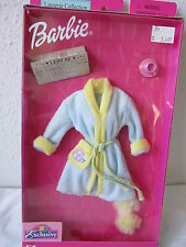 NIB BARBIE FASHION FEVER LINGERIE COLLECTION TRU EXCLUSIVE LT BLUE ROBE YELLOW